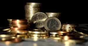 Deprecierea leului ridica preturile la produsele electronice din magazinele romanesti